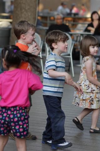 tcmf2013_kids_dancing